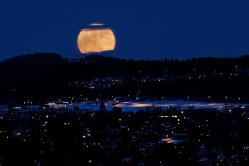 Super Moon in Trondheim, Norway by Arve Johnsen on Flickr.