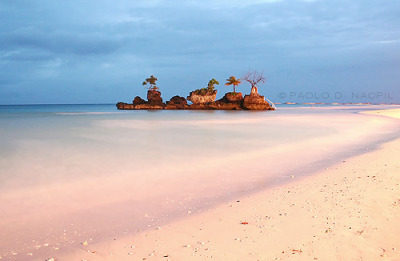 pinoytumblr:  Willy's Rock, Boracay Island, Philippines Photographed by: http://capturedphotos.tumblr.com/