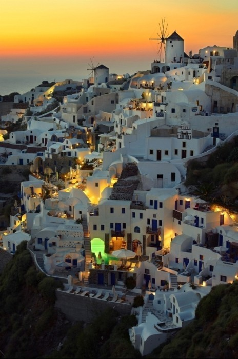 waterlilyjewels:  Santorini, Greece, at sunset (via twobutterflies: June 2011)