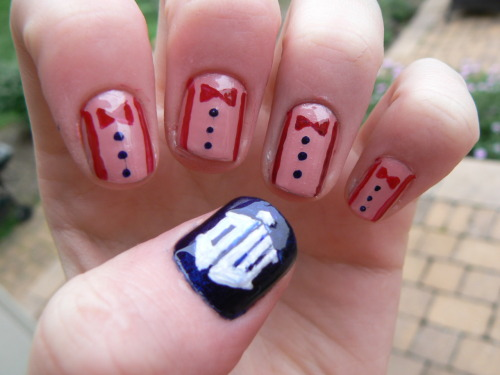 nanasantana:  doctor who nails created by moi
