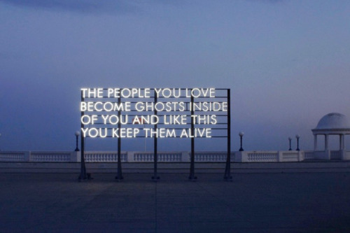 oliphillips:  Robert Montgomery: Traveling Around the City More Here