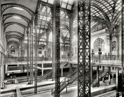tonguedepressors:  Pennsylvania Station, 1910  Want (it back).