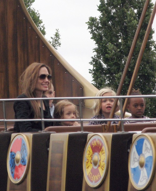 Angelina Jolie takes Shiloh, Knox an Zahara to visit Legolan in Windsor  in England on September 20 2011
