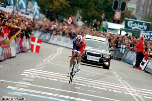 Bradley Wiggins (Great Britain) (via 2011 road-cycling-world-championships photos stage-05)