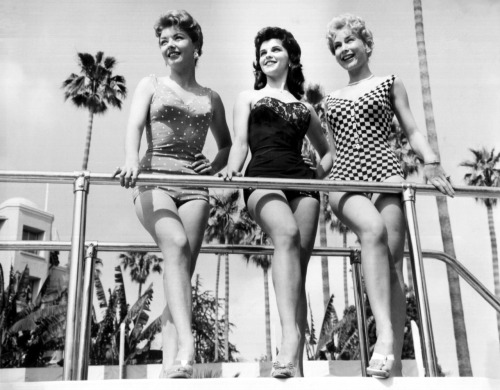 "Merry Anders, Lisa Gaye, Barbara Eden in a publicity still for the TV Show ""How To Marry A Millionaire"" 1959"