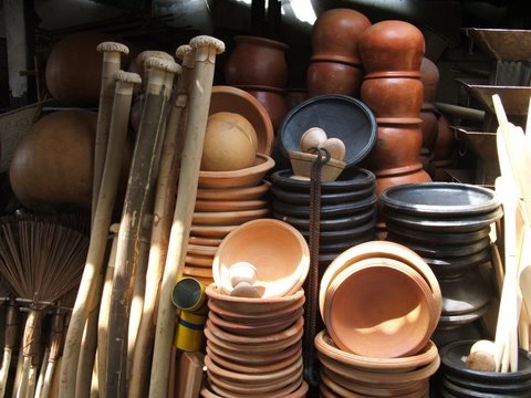 Places in GhanaApotoyuwa and fufu pestle at Makola Market, Accra
