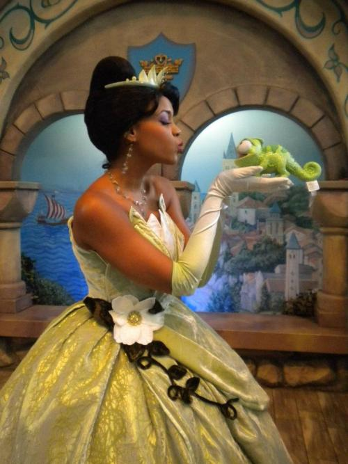 tangledcomestolife:  Oh no Tiana! That's not a frog!