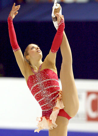 beautiful-shapes:  Carolina Kostner, 2008 FS