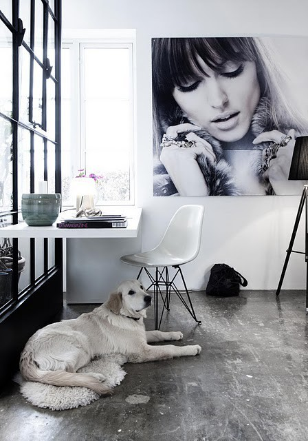 heartbeatoz:  (via The Decorista-Domestic Bliss: office space of the day…simply fashionable)