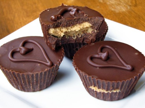 fattiesdelight:  Homemade Peanut Butter Cups