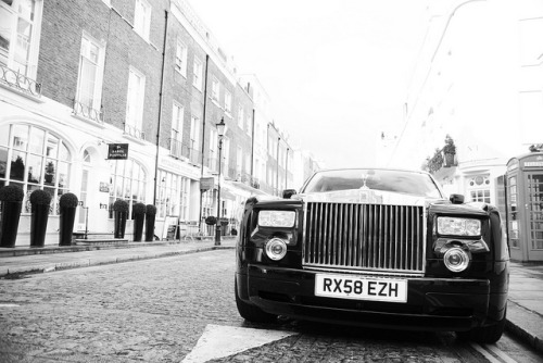 Rolls-Royce Phantom. Photo by Robin Kiewiet.