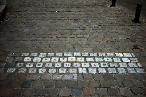 buzzfeed:  Keyboard street art is clever, nerdy street art. (Via Neatorama)