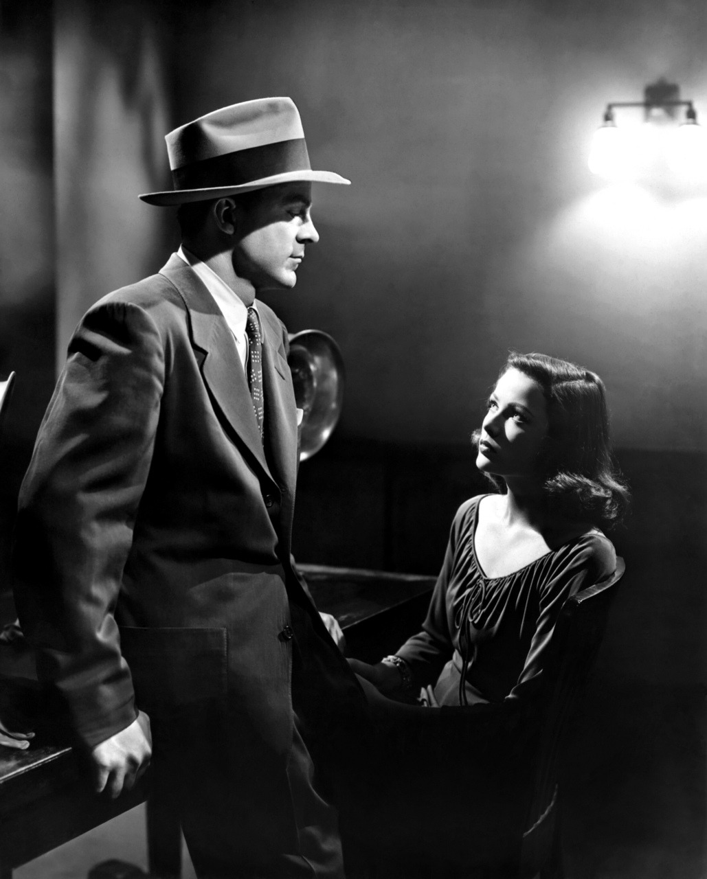 awesomepeopleinmovies:  Dana Andrews and Gene Tierney, Laura, 1944