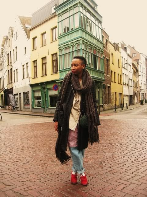 Pholoso Selebogo, stylist, in Antwerp. Read more about her at Vogue.it! (via fyeahafrica, photo by Face Hunter)