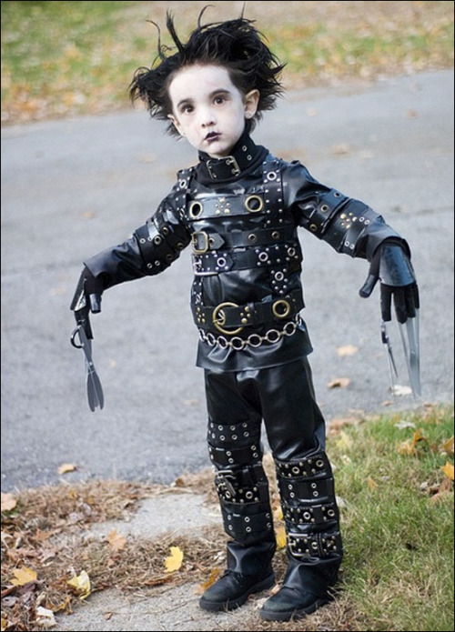 I wish so, so much that I could get Colum to rock this for Halloween. He says he wants to be Spiderman. Blah.