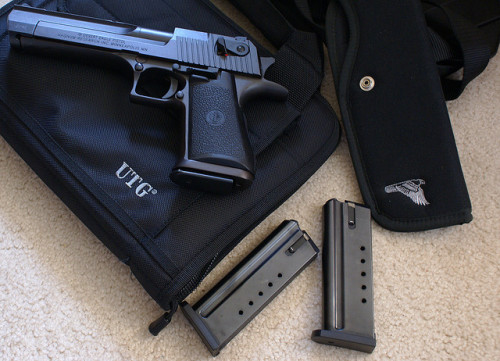 broptimus-prime:  Desert Eagle .50AE by forensicaldude on Flickr.