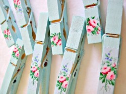 (via shabby aqua clothespins by tinkeredtreasures on Etsy)