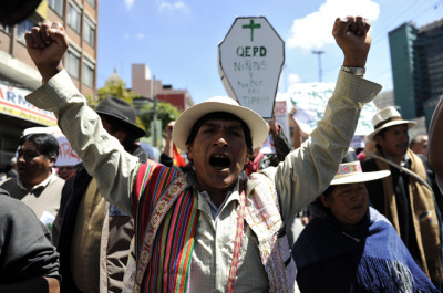 FTW aljazeera:  Bolivia president pauses highway construction | Evo Morales halts road plan after minister resigns in protest against police crackdown on indigenous demonstrators.