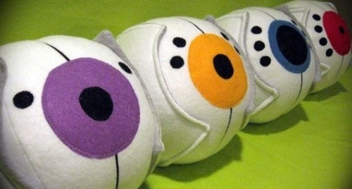 somewhatcute:  PLUSHIES !!! :D