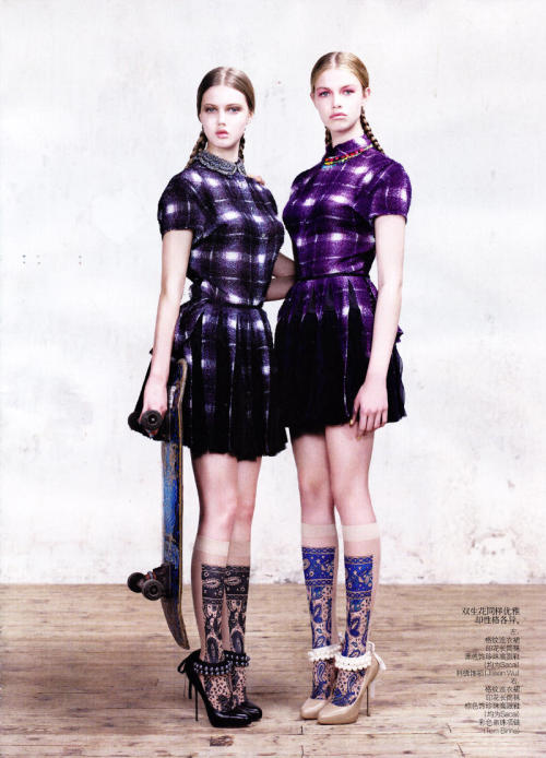 fuckyeahvintagediary:  Lindsey Wixson and Hailey Clauson by Willy Vanderpern for Vogue China March 2011