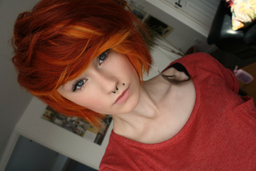 hairitic:  I love this cut/color combo.
