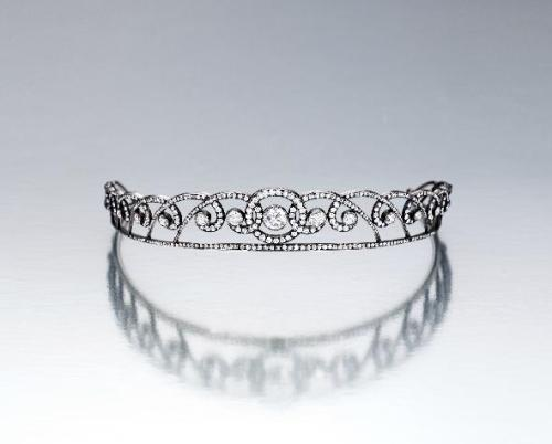 auctionguide:  Diamond Tiara, C. 1910 Sotheby's, Fine Jewelry, Hong Kong, Oct 5th