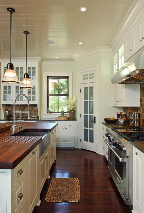 cookingloveandlife:  Perfect kitchen.   This is my future kitchen… :)