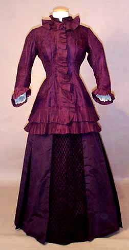 Visiting dress, 1875-82 US (Connecticut)