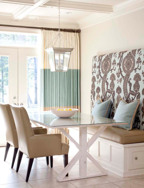 torn between yellow and black or turquoise and beige for my dining room :/