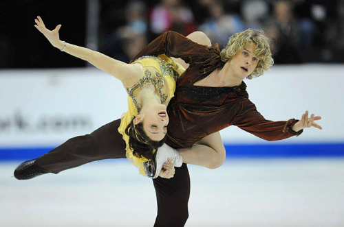 beautiful-shapes:  Meryl Davis - Charlie White 2009 FD - Samson & Delilah