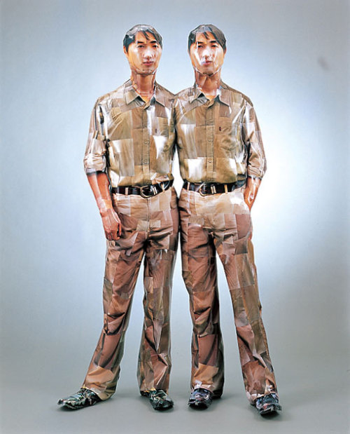 Osang Gwon A statement 540 pieces on twins (1999)