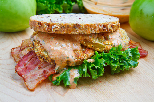 reck:  Fried Green Tomato BLT with Remoulade Sauce by StrawMan3125 on Flickr.  YO!