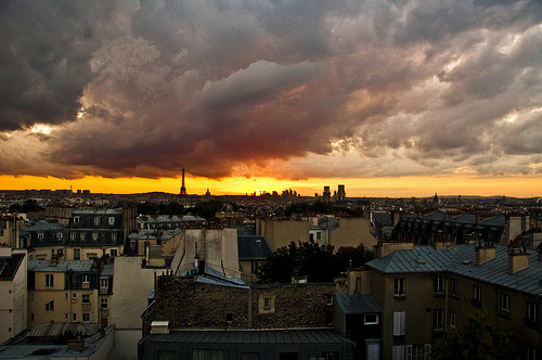 Paris is Burning (by zach.stone) Don't know if I have anything else to say about Paris. Just love it. And love this picture I lucked out with from Hannah's place.