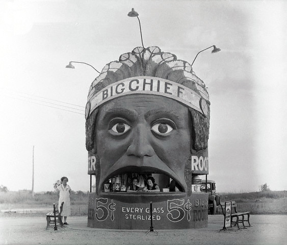 hollyhocksandtulips:  Big Chief Root Beer, Kansas City, MO, 1933