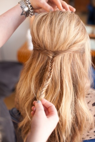 I need to figure out how to make my hair do this, ASAP  refinery29