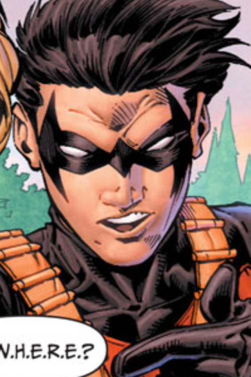 …Isn't that Nightwing's mask? Lol, Tim borrows his big brother's clothes.