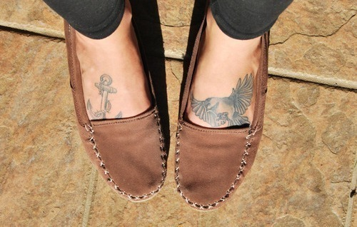 pretty-lush:  i wouldnt mind some tattoos on my feet.