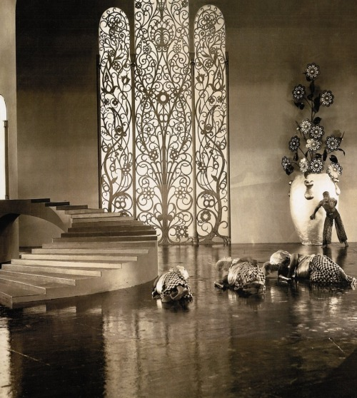 very beautiful set. oldhollywood:  Douglas Fairbanks on the Moorish/Art Deco-inspired palace sets of The Thief of Bagdad (1924, dir. Raoul Walsh) Art direction by William Cameron Menzies.