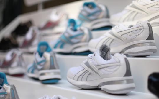 Reebok to pay $25m over toning shoe claims - Reebok International Ltd. will refund $25 million to customers who bought its popular toning shoes, in one of the largest settlements ever reached between a company and the federal government over deceptive advertising claims.