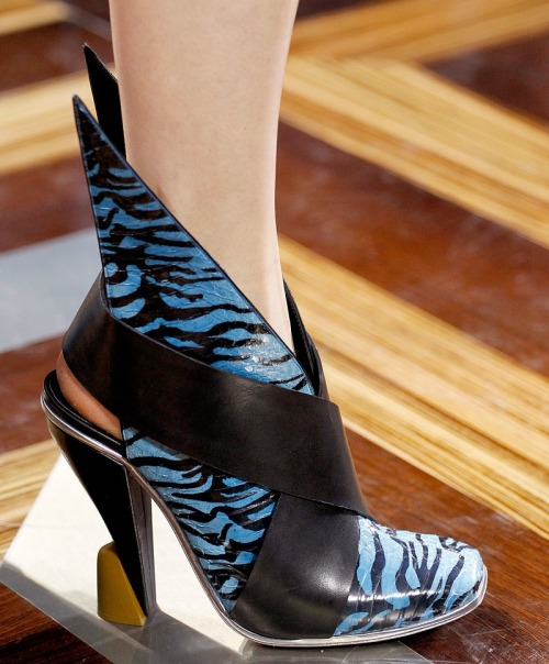 vogue:  DETAIL: Balenciaga Spring 2012  dope. every female superhero should rock these.