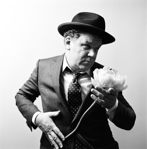 JOHN C. REILLY L'UOMO VOGUE