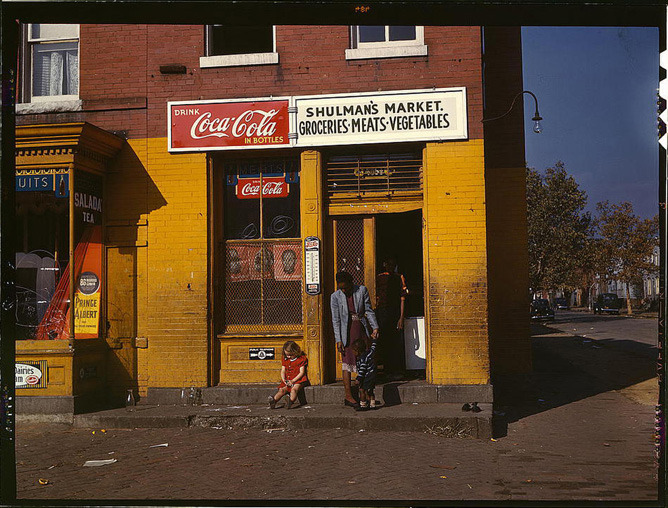 denverpost:  Captured: America in Color from 1939-1943 These images, by photographers of the Farm Security  Administration/Office of War Information, are some of the only color  photographs taken of the effects of the Depression on America's rural  and small town populations. The photographs and captions are the  property of the Library of Congress and were included in a 2006 exhibit  Bound for Glory: America in Color. View the complete gallery of 70 striking historic photos This blog entry is from last year, but it's enjoying a resurgence we thought we would share.  I -love- these images.