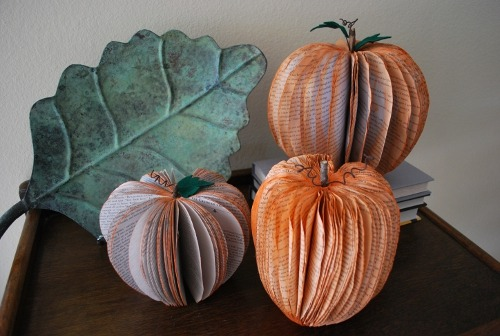 Happy October 1st everyone :) storagegeek:  Fall Pumpkin Decorations Made from Recycled Books : Crafting Mom How absolutely adorable is this book craft?! I have a couple romance novels the M-I-L gave me which I have been dying to do something to. This might just be the ticket.