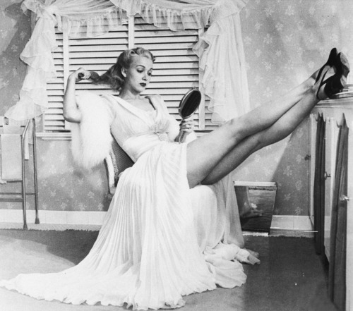 vintagegal:  Carole Landis by Peter Stackpole 1943