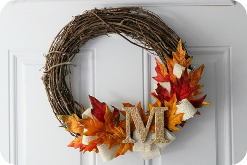 craftyscientist:  (via little lovelies: tutorial: fall wreath)