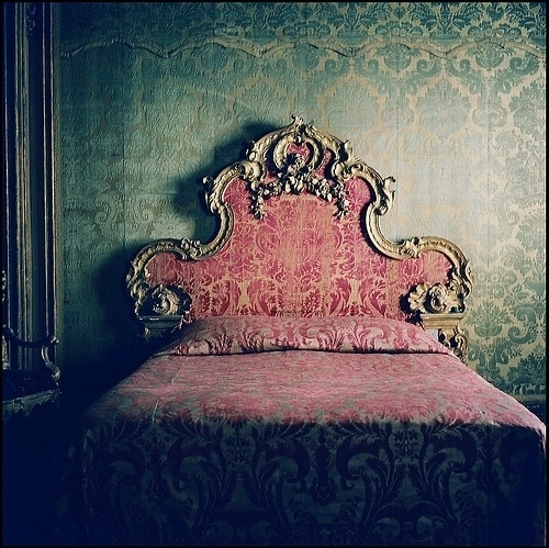gorgeousglitter:    Bedroom from the Sagredo Palace, VeniceMetropolitan Museum of Art