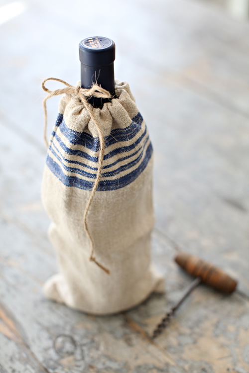 lylaandblu:   French Farmhouse Grain Sack Wine