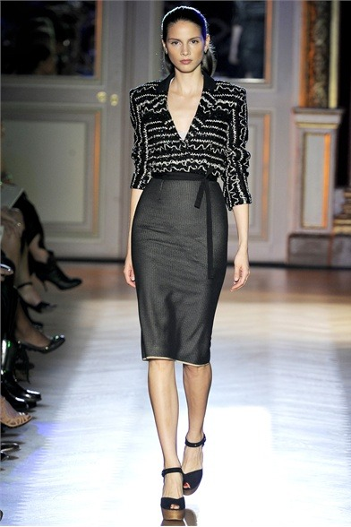 thefashionatelier:  Paris Fashion Week  Roland Mouret Spring/Summer 2012
