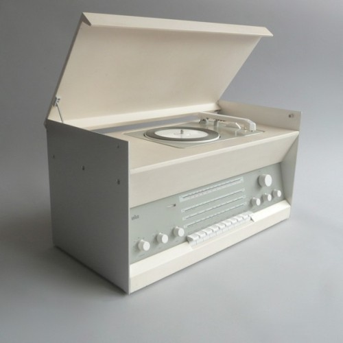 (via Braun electrical - Audio)