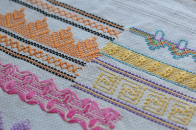 whatkatiedoes:  (via feeling stitchy: Old is New again: Swedish Weaving)